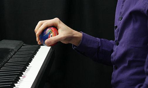 preschool piano lessons hand position